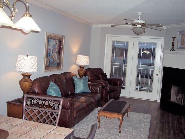 Large 1 Bedroom at Diamondhead Resort
