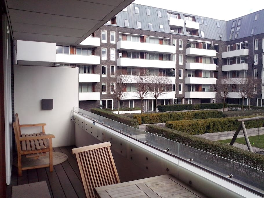 10m2 balcony for nice breakfasts and evening drinks
