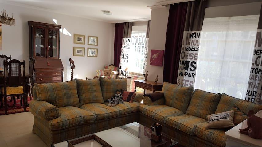 DESCANSO Y RELAX CERCA DE MADRID - Villanueva de la Cañada - Chalet