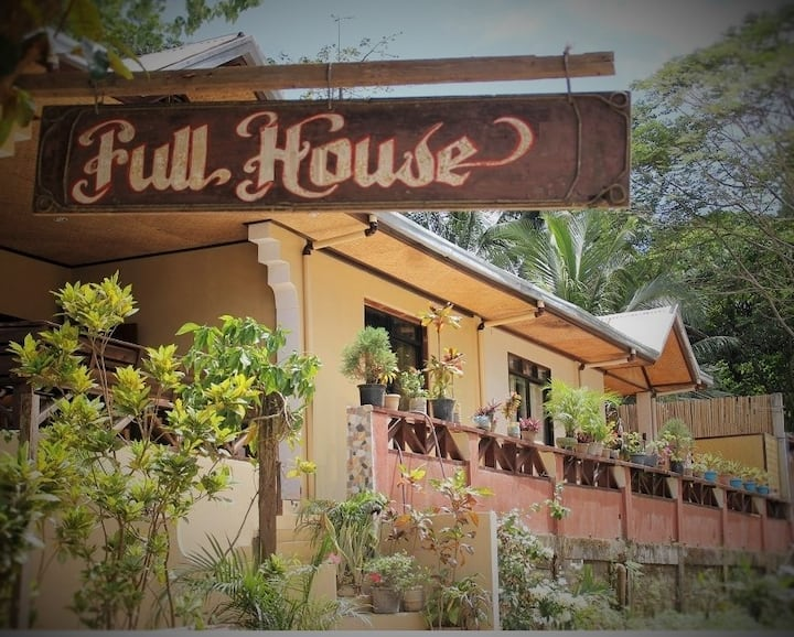 El Nido Full House - The House