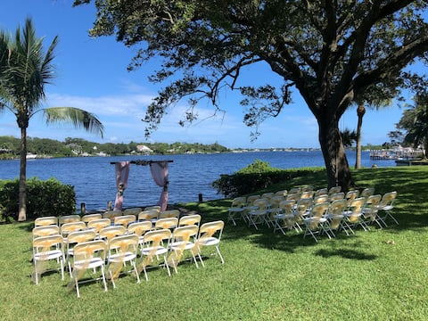 Waterfront paradise,largehome, weddings, boat dock