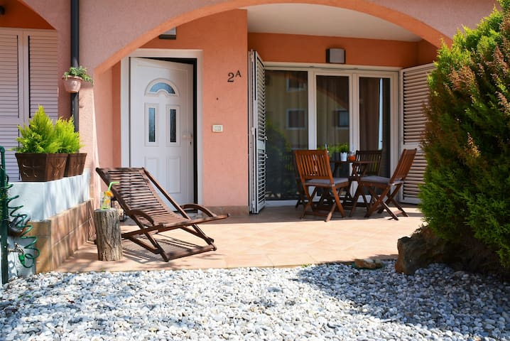 Lovely apartment in Novigrad - Novigrad - Pis