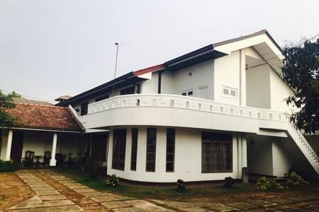 White Lotus Villa - Katunayake - Apartament