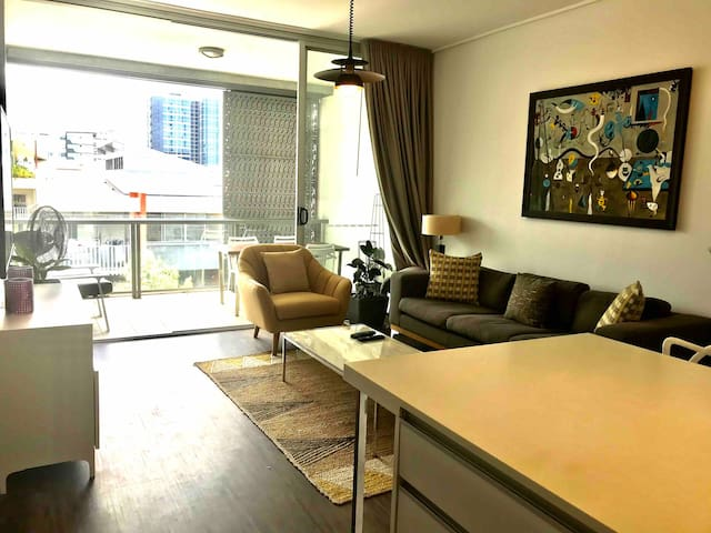 Central location, stylish, bright and modern apt.