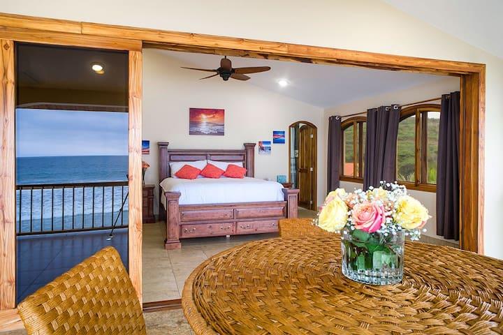 Moonlight Apartment - Twilight Tide Villa