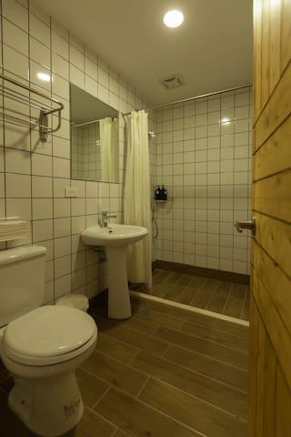 客房內衛浴