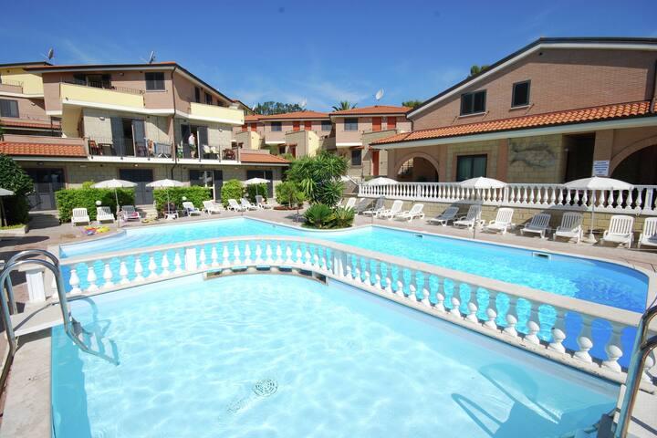 Cosy Holiday Home in Tortoreto near Sea