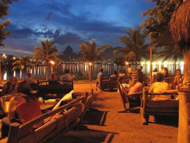Lagoa noite