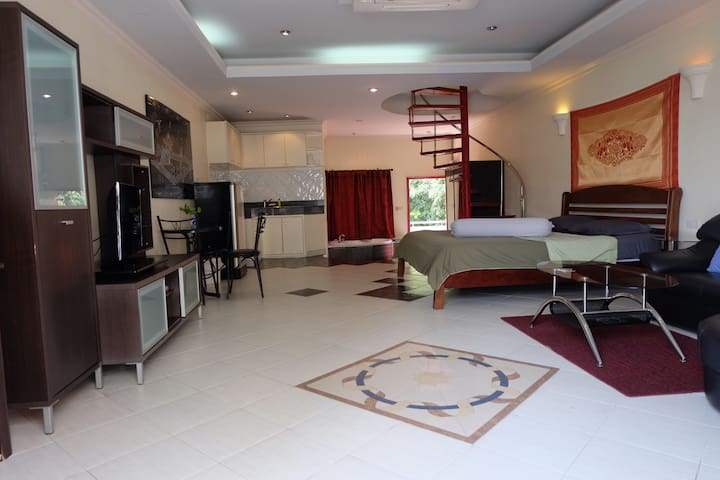 Large room with jacuzzi 403 - Muang Pattaya - Apartamento