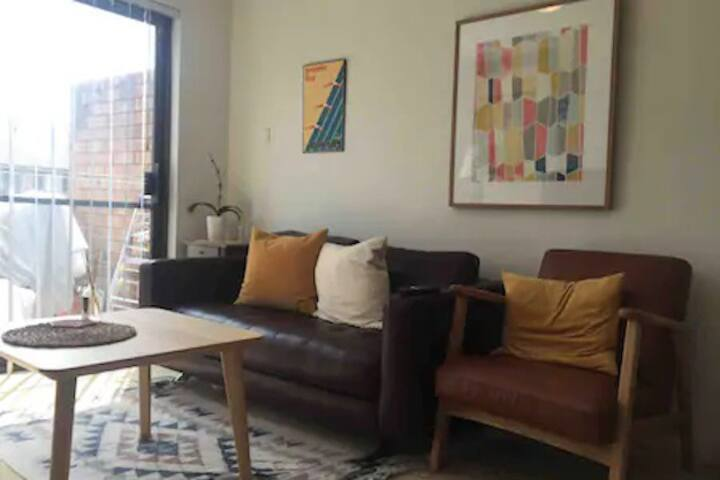 Comfortable Private Double Room close to the city