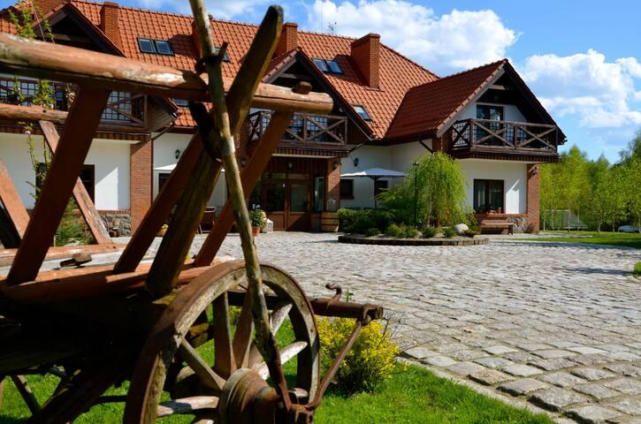 Villa Village-naturalnie spotykamy się na Mazurach