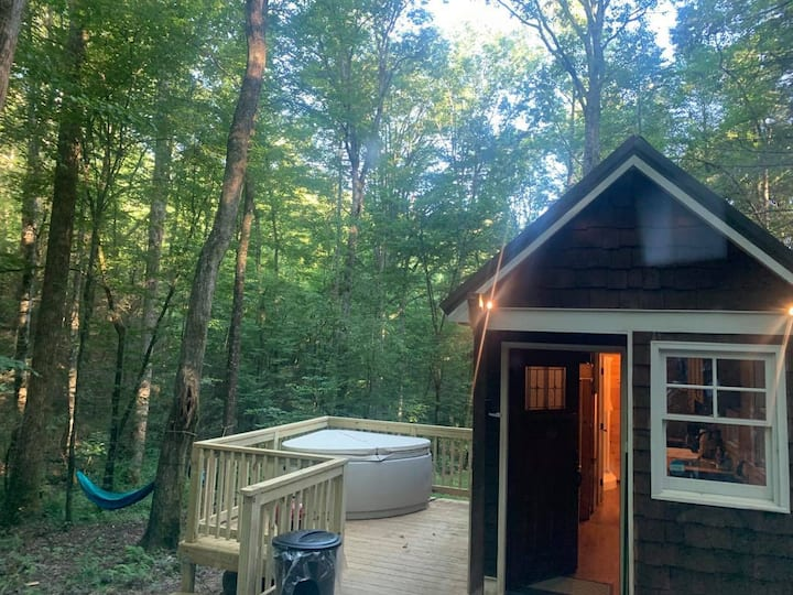 Chanterelle - Creekside Tiny Home #1