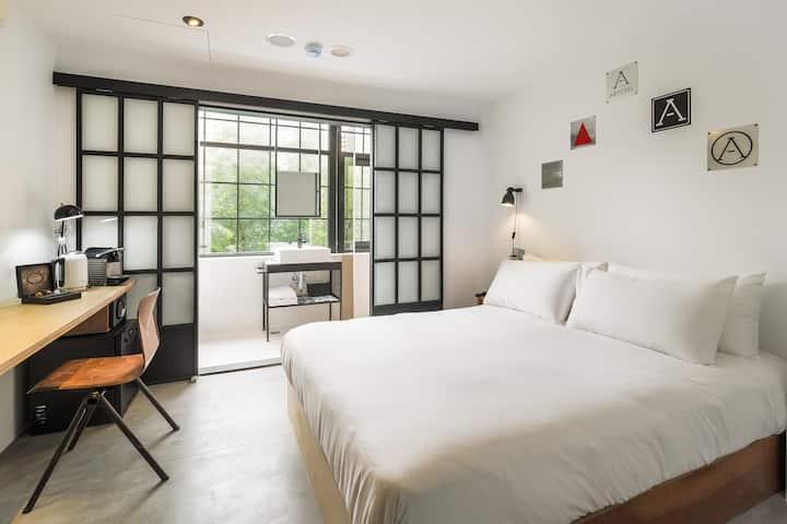 Medium Double Room with Garden View