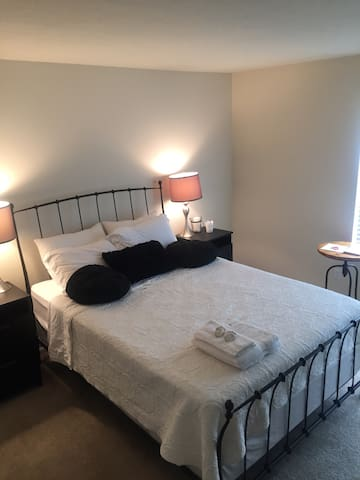 Gorgeous room close to DC - Germantown - Condo