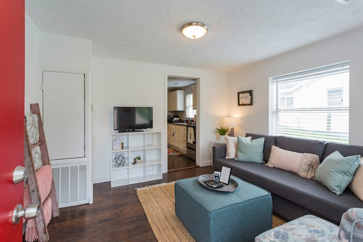 Cottage Home Mins to Downtown! W/D & Free Parking!