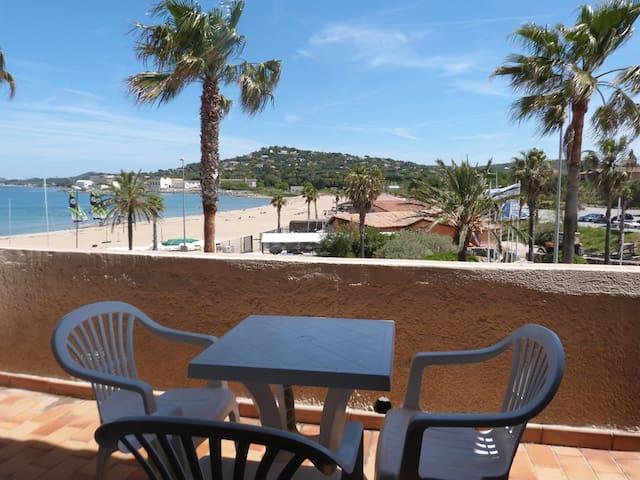 T2 Vue mer et Saint Tropez