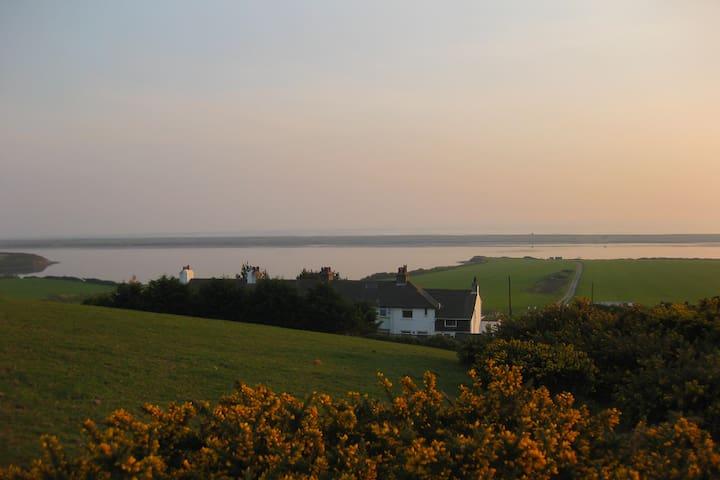 Moonfleet Coastguard Cottage with Sea Views