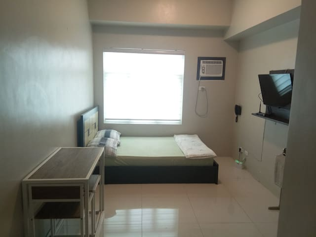 Japanese Managed Condo (F) Beside Vito Cruz LRT