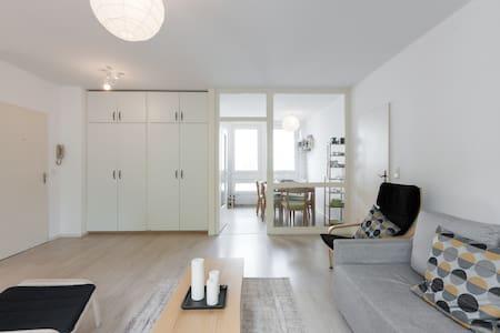 Great bright apartment in Berlin - Berlin - Apartment