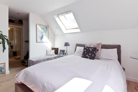 #6 DOUBLE Boutique ON SUITE  M25 M4 M40 Heathrow - Maidenhead