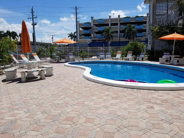 Relax and Enjoy Deerfield Beach!!!!!