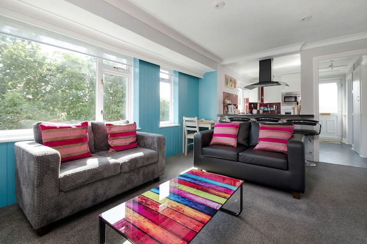 2 Bedroom stylish Ringwood town centre apartment - Ringwood