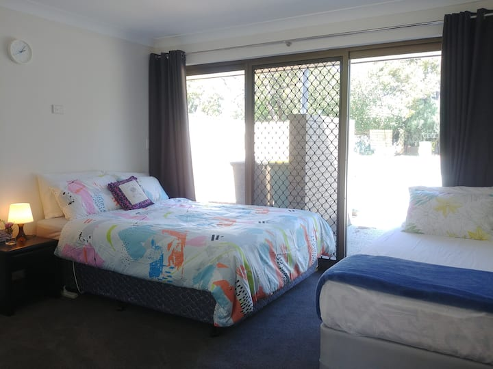 The Fawzi Holiday Home Perth (Close to Airport)