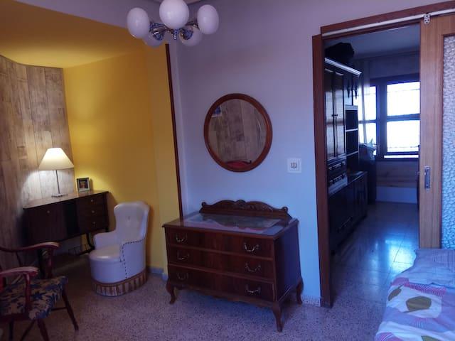 chambre 1 (lit simple)