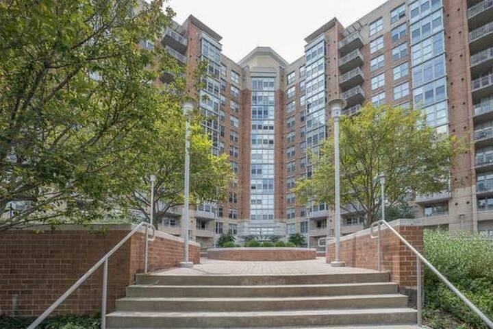 Carlton House Condominium