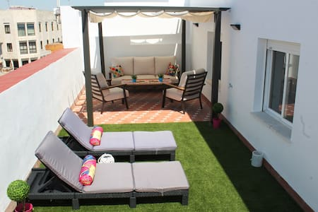 Penthouse in the heart of Jerez, garage included.