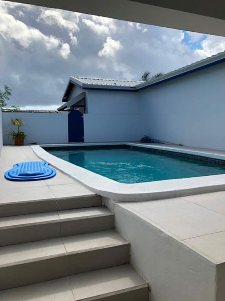 Twin bed Villa, pool and close to beaches