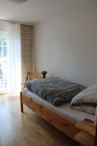 Schlafzimmer aus Zirbenholz Bett 1,0x2,0m