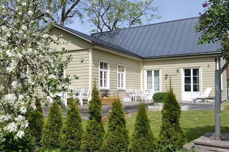 Kuressaare Family and Garden three-room apartment