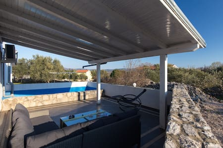 Family Apartment (32m2) with Pool on Island Krk - Muraj