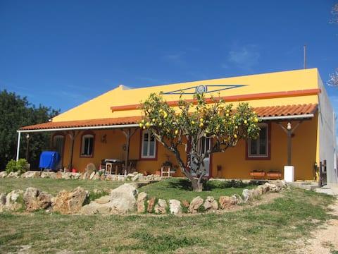 """Casa Mitus"" Hegn Gammelt klassisk portugisisk hus"