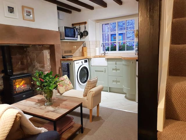 18th Century Guest Suite