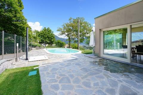 Jezero Como - Alex 2 s bazénem pro rodinu