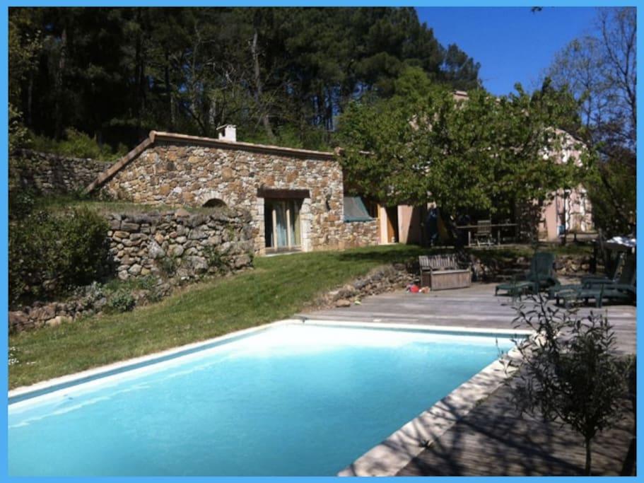 Tr s belle villa au calme avec piscine et verger villas for Piscine du rhone