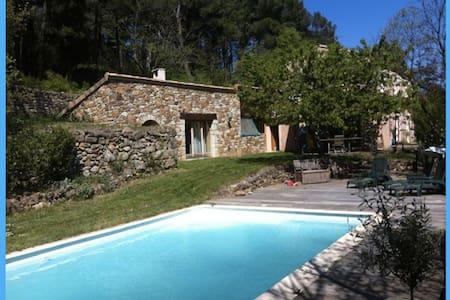 Très belle villa au calme avec piscine et verger - Privas