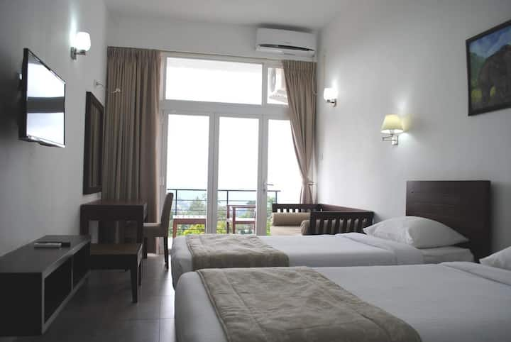 Deluxe Twin Room at The Kandyan Villa