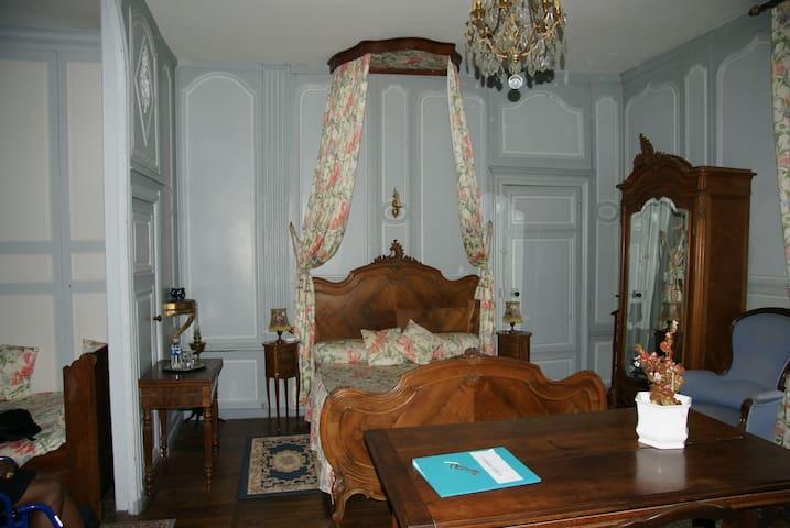 Suite famille Marquis de Vaudreuil super spacieuse