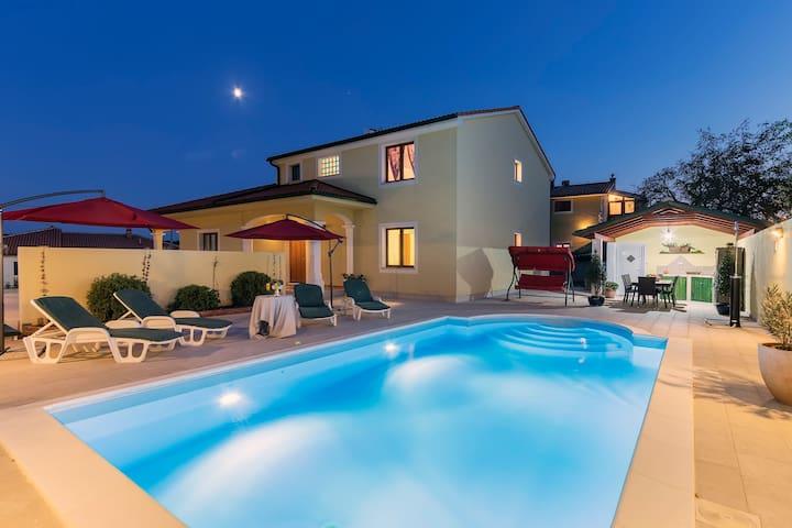 Villa Monique for 8