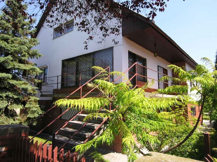 Apt for 6 pers with WLAN in Balatonlelle R18149
