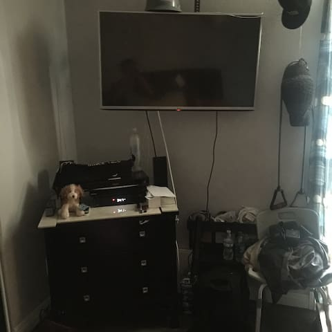 PRIVATE ROOM WITH CABLE AND WIFI IN LA PUENTE  CA
