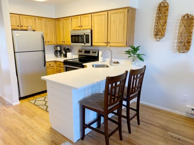 Remodeled Wolf Lodge Eden Condo w/ free wifi & AC