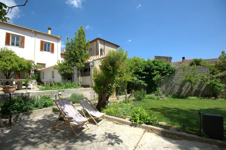 Le Campane  bed and breakfast IUN E7048