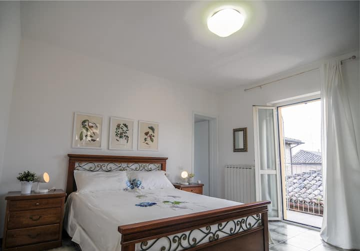 Private room with views of Assisi