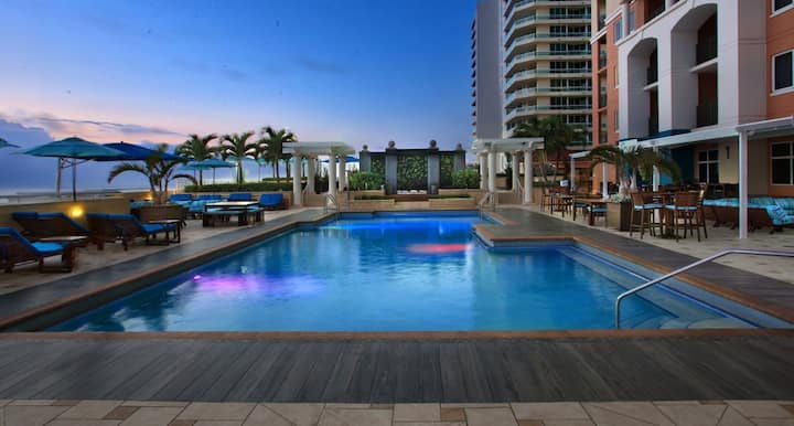 Spacious condo in stunning resort by Marriott