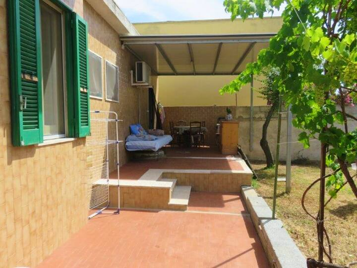 Villa with 2 bedrooms in Spiaggiabella, with wonderful sea view and enclosed garden - 50 m from the beach