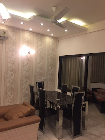 Fully Furnished 3BHK apartment in CR Park - Nova Delhi - Pis